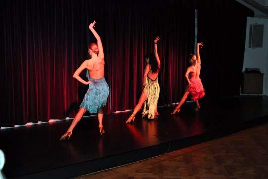 fantastiskt dansare orgie i Helsingborg